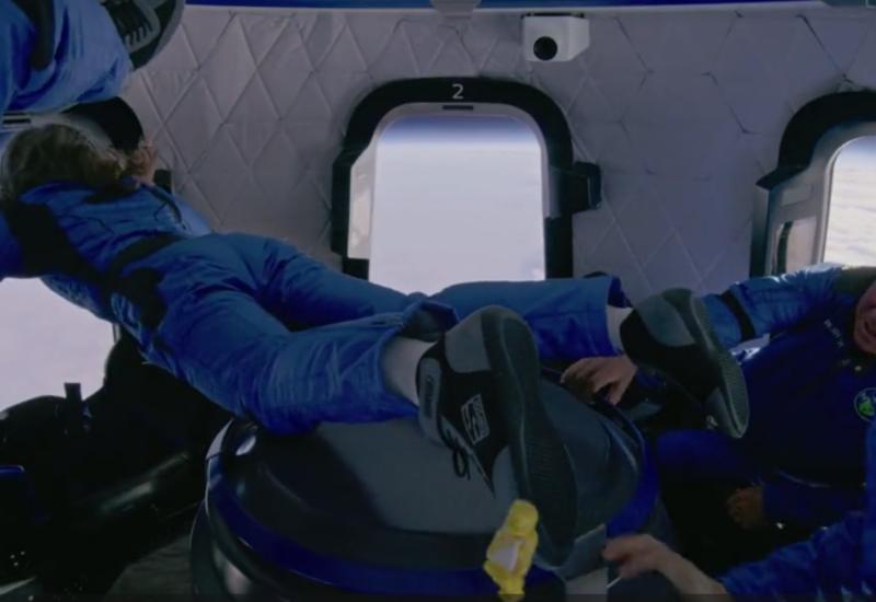 Кадры изнутри космического корабля Blue Origin