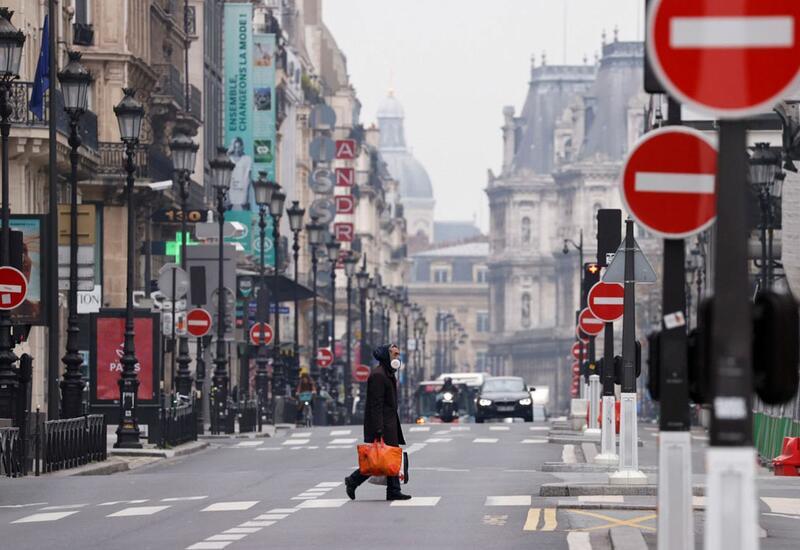 Франция намерена продлить чрезвычайное положение в связи с COVID-19