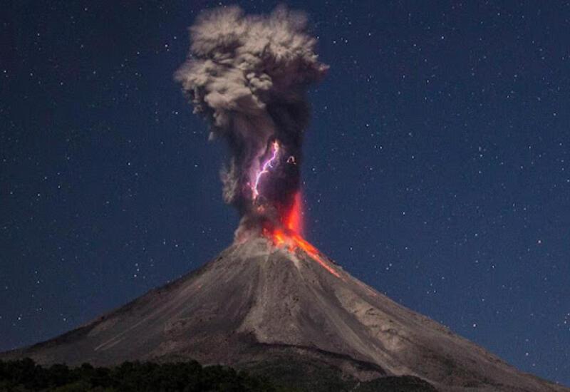 Жителей Пальмы эвакуируют из-за угрозы извержения вулкана