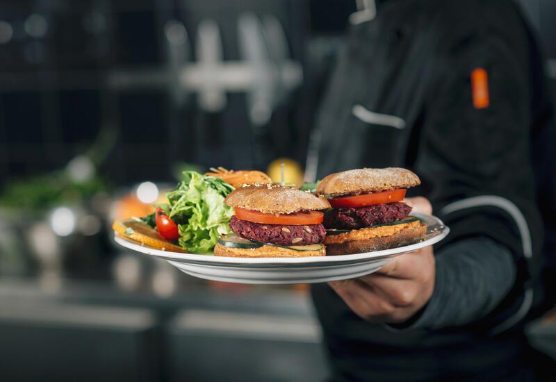McDonald's будет продавать бургеры без мяса