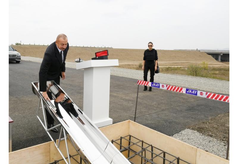 Президент Ильхам Алиев заложил фундамент автодороги и нового «умного села» в Физули