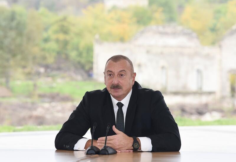 Президент Ильхам Алиев: Мы в максимально короткий срок вернем на родные земли переселенцев, которые на протяжении 30 лет жили в страданиях