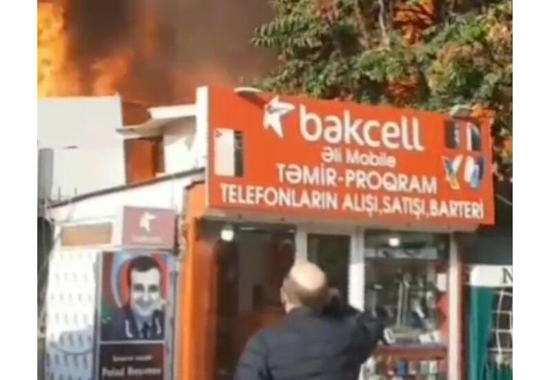 Во время пожара в Баку очевидец бросился спасать портрет Полада Гашимова