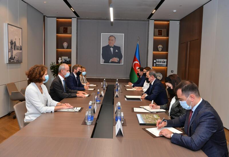 Джейхун Байрамов на переговорах с вице-президентом Международного комитета Красного Креста