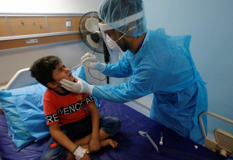 В Сингапуре ввели обязательное тестирование школьников младших классов на коронавирус