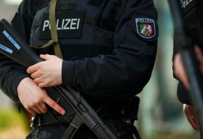 В ФРГ арестовали двух человек за попытку создать незаконное военное формирование