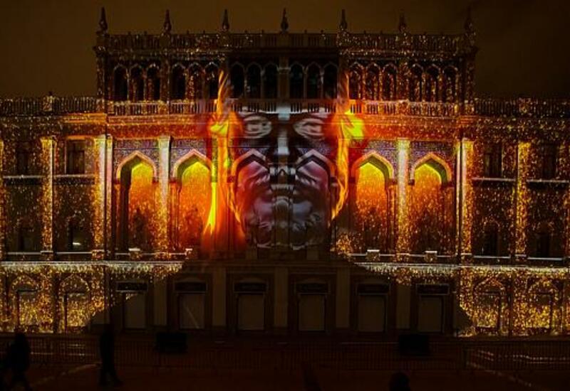 Великолепное 3D-шоу, посвященное творчеству Низами Гянджеви