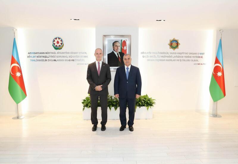 Глава СГБ Азербайджана встретился с вице-президентом Красного Креста