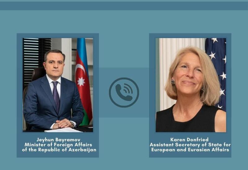 Джейхун Байрамов провел телефонный разговор с помощником госсекретаря США