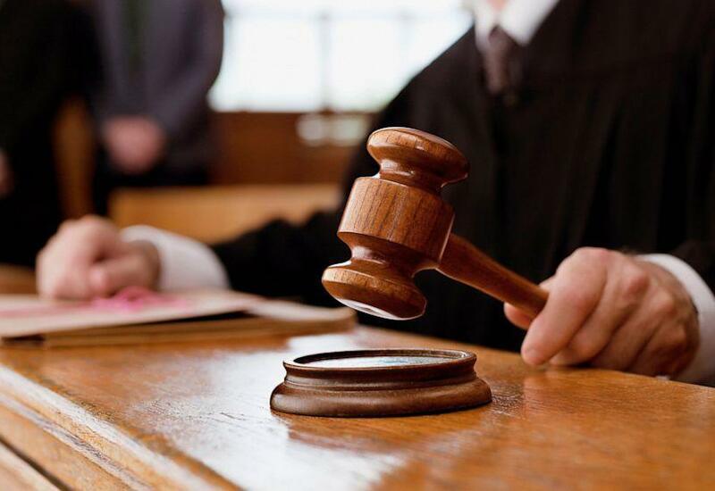 В Азербайджане обвиняемый в мошенничестве бывший судья арестован в зале суда