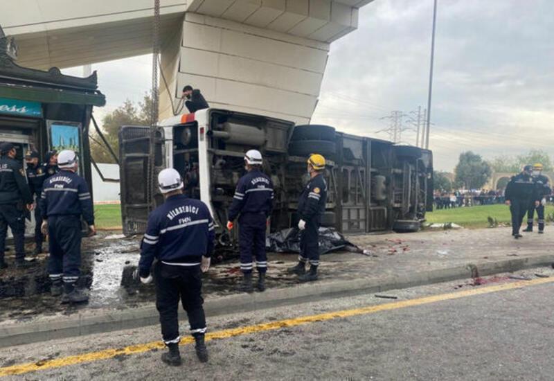 Скончался один из пострадавших в аварии в Баку