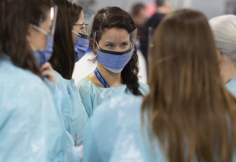 Тысячи медиков в Канаде могут остаться без работы