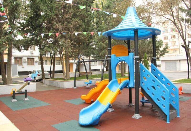 """В рамках проекта """"Наш двор"""" в Баку благоустроен очередной двор"""