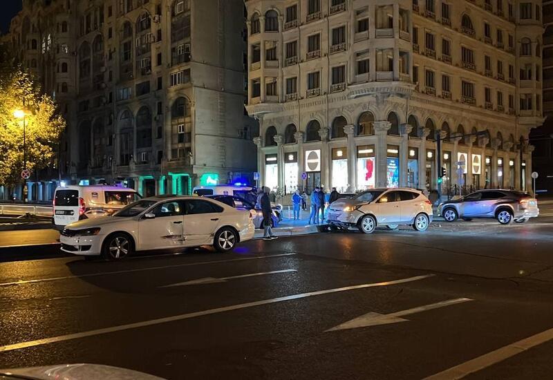 Цепная авария в центре Баку