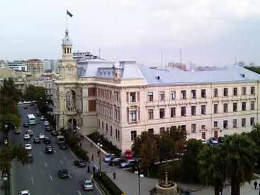 В столице граждан оставили без лифта из-за крупного долга ИВ Баку