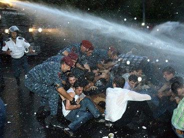 День независимости может вылиться в Армении в беспорядки