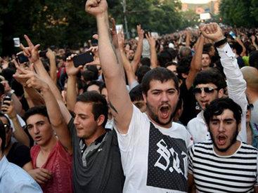 Новые подробности разгона митинга в Ереване - ОБНОВЛЕНО - ВИДЕО