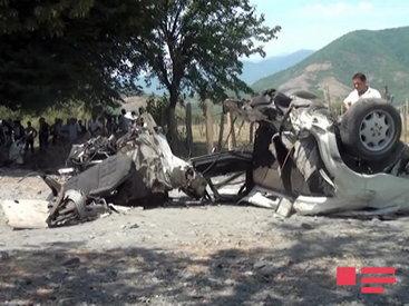 """""""Mercedes"""" ağaca çırpıldı, sürücü öldü - FOTO"""