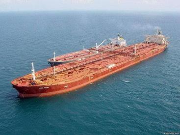 Панамский танкер сел на мель из-за сильного ветра в Японии
