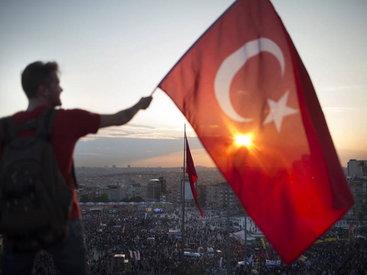 В Турции прошла акция протеста против теракта, есть пострадавшие