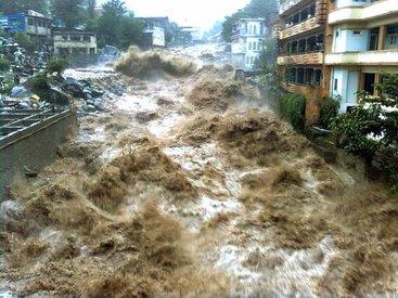 Наводнение в Пакистане: погибли не менее 14 человек