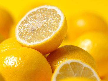 Исследование: лимонный сок защищает от кишечного гриппа