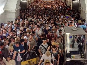 ЧП в московском метро, в тоннелях застряли больше тысячи человек