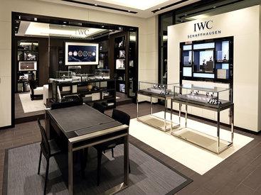 Швейцарская часовая мануфактура IWC Schaffhausen распахнула двери своего первого бутика в Баку - ФОТО