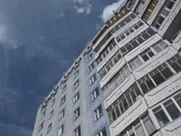 Бакинский поселок: здания отремонтированы, а подсветка не работает