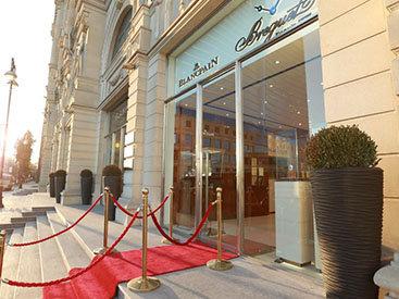 В Баку открылся часовой бутик Glampire Time Pieces - флагманский мультибрендовый бутик Swatch Group - ФОТО
