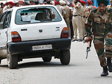 В Индии боевики напали на полицейский участок