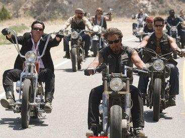 Вьетнамские байкеры чудят на дороге - ВИДЕО