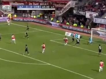 Футболист забил курьезный гол в свои ворота - ВИДЕО