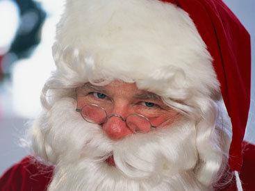 В Риге состоялся благотворительный забег Санта-Клаусов