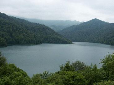 Посетителям озера Гёйгель пригрозили 15 сутками ареста
