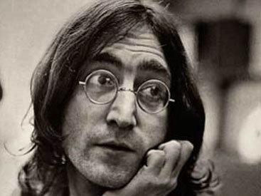 Фанаты отметили 33-ю годовщину гибели Джона Леннона