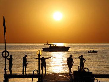 Море и песок: окунитесь в мир солнечного лета в конце февраля - ФОТОСЕССИЯ