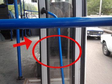 В Баку водитель автобуса играет жизнью пассажиров – ВИДЕО