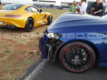 Сотрудники Mercedes случайно разбили два спорткара на глазах у покупателей - ФОТО - ВИДЕО