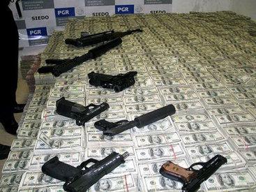 """В """"гостях"""" у мексиканского наркобарона - ФОТОСЕССИЯ"""