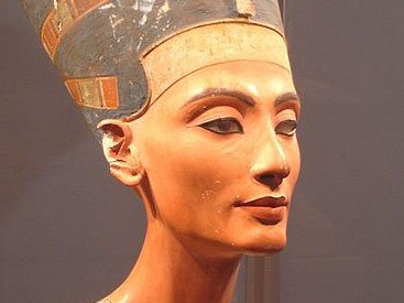 Египет потребовал у Германии бюст Нефертити