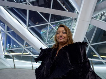 В Эрмитаже проходит выставка легендарной Захи Хадид - ФОТО
