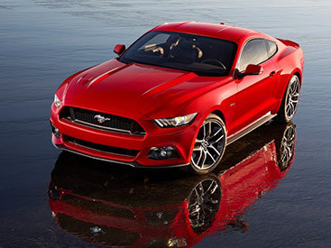 Ford представил новое поколение Mustang - ФОТО