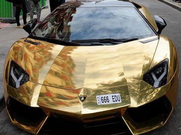 Шикарный Lamborghini за $6 млн шокировал парижан - ФОТО