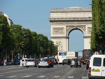 Массовая эвакуация в Париже