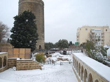 Воспоминания о зиме: Ичери Шэхэр под белым покрывалом – ФОТОСЕССИЯ