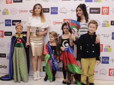 Состоялся показ детской моды ко Дню флага - ФОТО