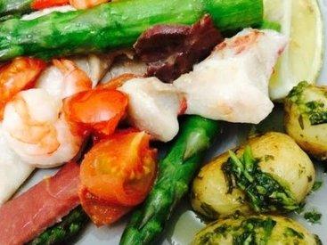 Ужин в средиземноморском стиле: запеченная рыба со спаржей и чили - Пошаговый рецепт - ФОТО