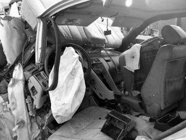 """""""Mercedes"""" və """"VAZ-99"""" toqquşdu: sərnişin öldü"""