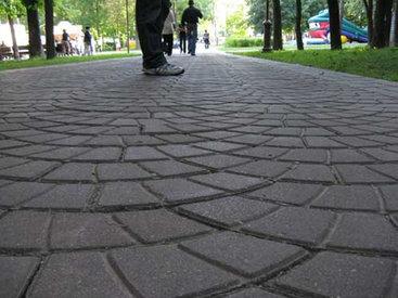 Просто возмутительно! Пешеходы в ужасе от тротуаров – ФОТО